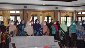 Kader PKK Peserta Orientasi Pendidikan Kesehatan dan Gizi PMT Cegah Stunting